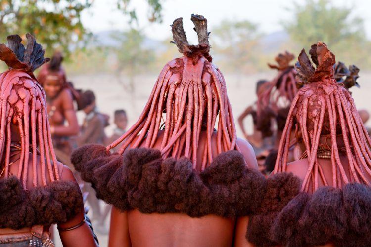 Femmes himbas dans leur village