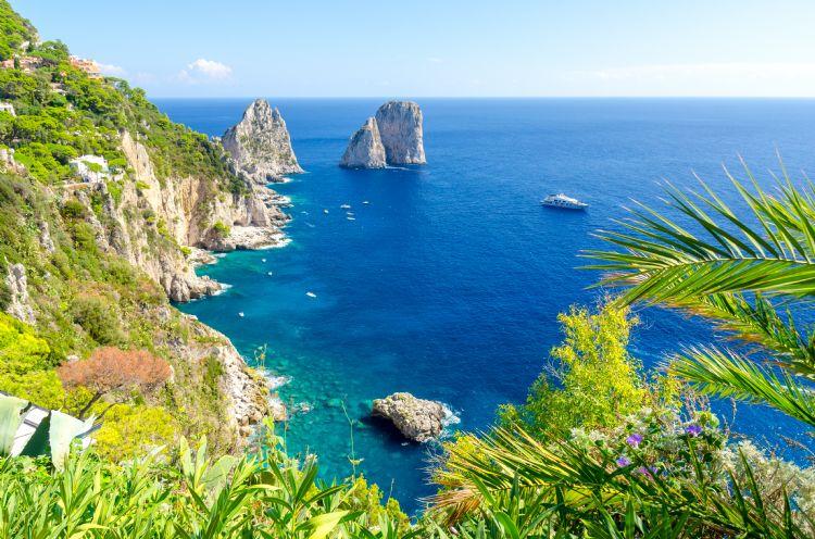 Les Faraglioni de Capri